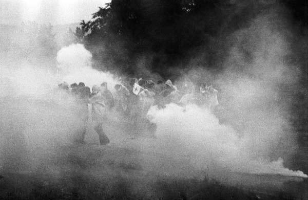 Gösgen 1977: Mit Tränengas gegen AKW-Gegner (Foto: Klaus Rózsa)